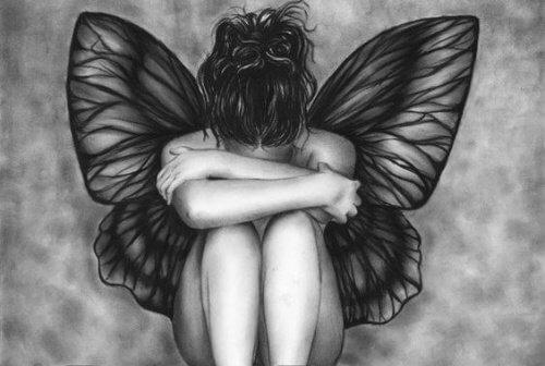 हमारा अपना दर्द प्रियजनों का दिल न दुखाये
