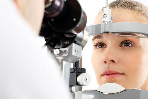 डायबिटीज के लक्षण: दृष्टि परिवर्तन