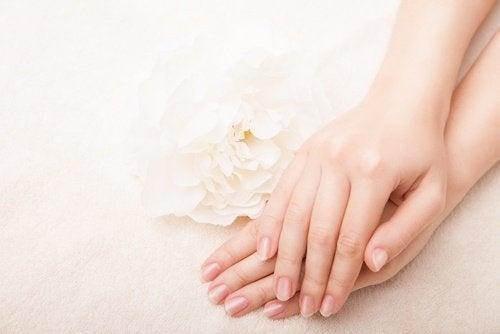 नर्म मुलायम त्वचा का राज़ है वैसलीन