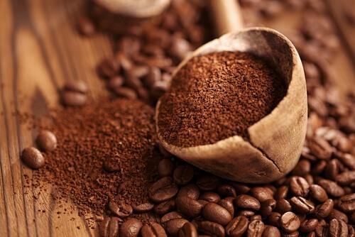 अलमारी की अप्रिय गंध: कॉफ़ी