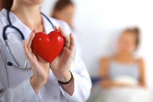 केले के छिलके से दिल की देखभाल