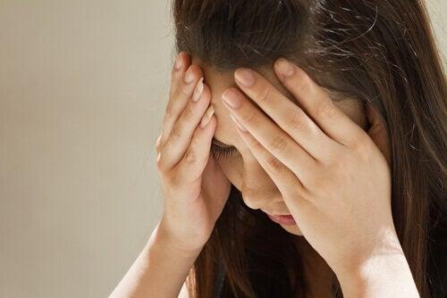 सेरोटोनिन की कमी: माइग्रेन
