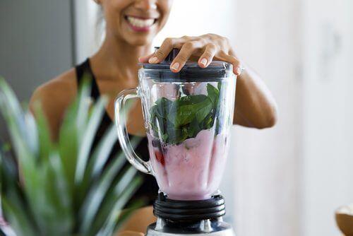 4 नेचुरल ड्रिंक: वजन घटाना चाहते हैं तो इन्हें न भूलें
