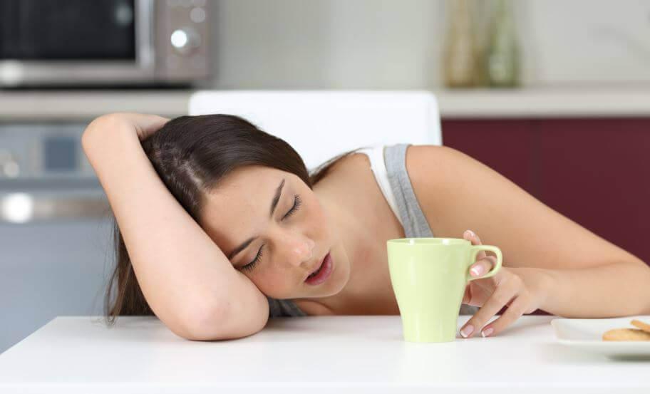 7 कारण जिनकी वजह से आपको थकान महसूस हो रही है