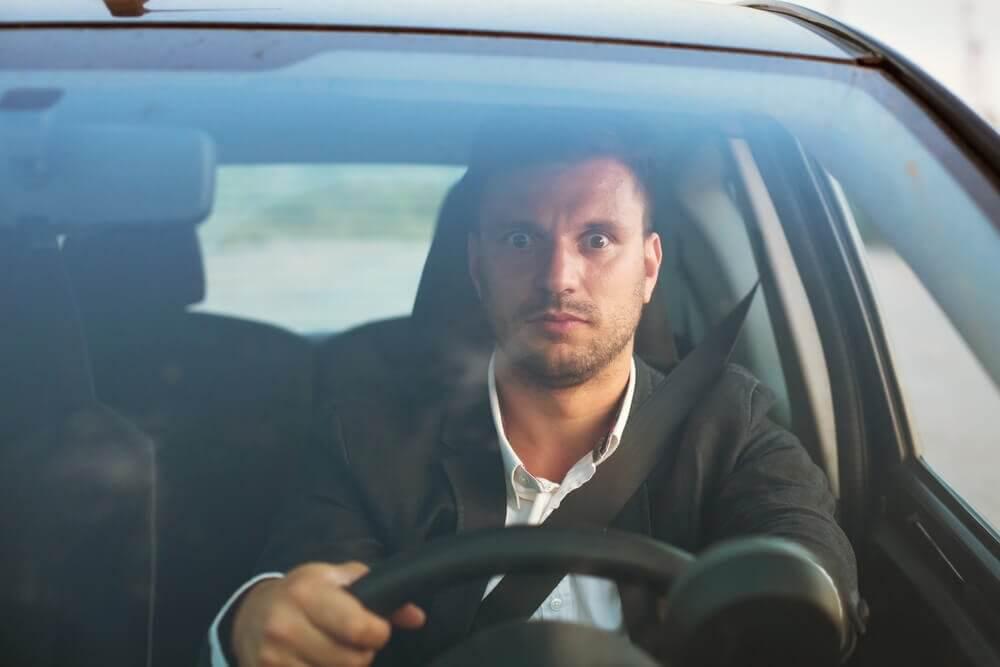 ड्राइविंग से दहशत