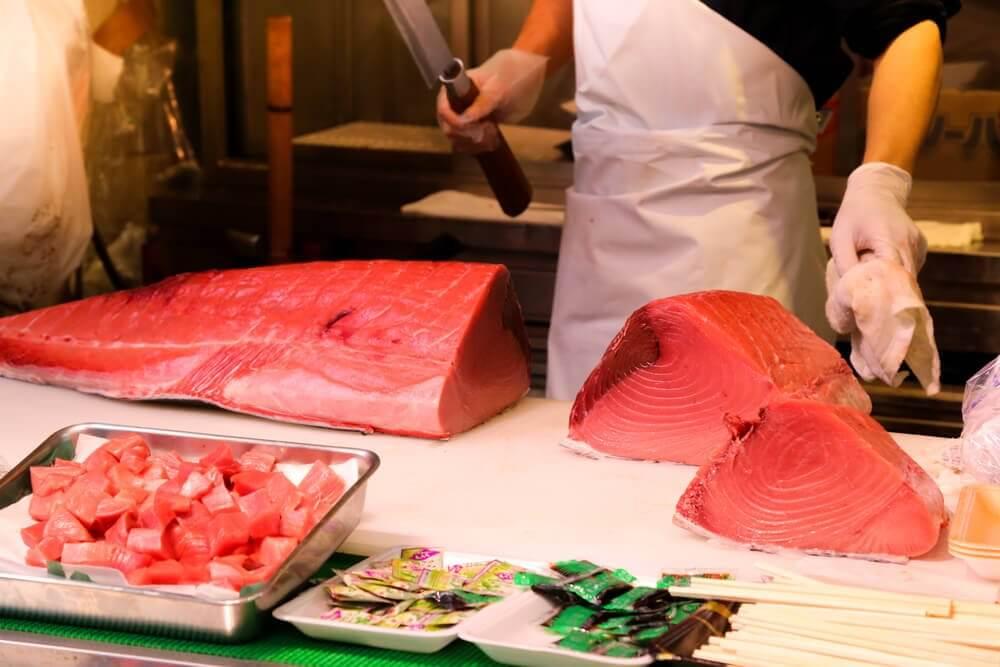 रेड ट्यूना मछलियाँ