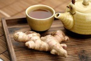 फैटी लीवर से मुकाबले के लिए अविश्वसनीय प्राकृतिक नुस्ख़े: अदरक वाली चाय