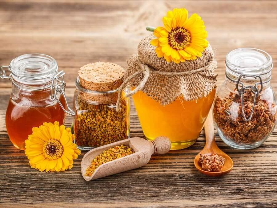 HPV का इलाज शहद और प्रोपोलिस (Honey and Propolis)