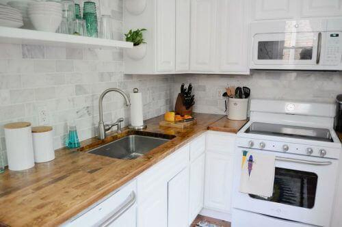 4 नायाब डेकोरेशन आईडिया छोटी किचन के लिए