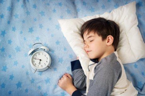 बच्चों के लिए देर से सोना खराब है