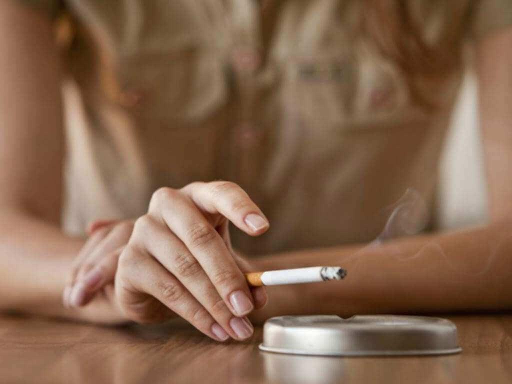 जल्दी बुढ़ापा लाने वाली आदतें - धूम्रपान