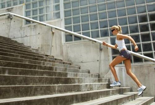 कार्डियो एक्सरसाइज; सीढ़ियाँ चढ़ना