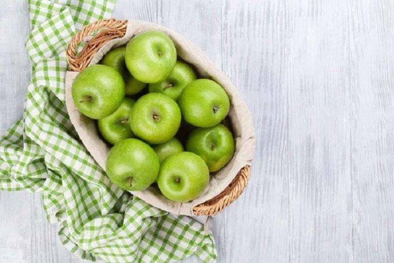पेट की सफाई में सहायक - हरे सेब