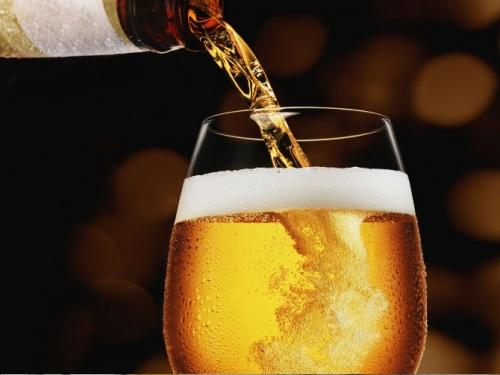 सीमित मात्रा में बियर पीने के 9 शानदार फायदे