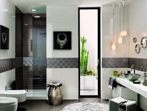 सफ़ाई की आदतें: बाथरूम की सफाई करें