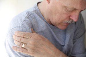 टेंडिनाइटिस के कारण: उम्र