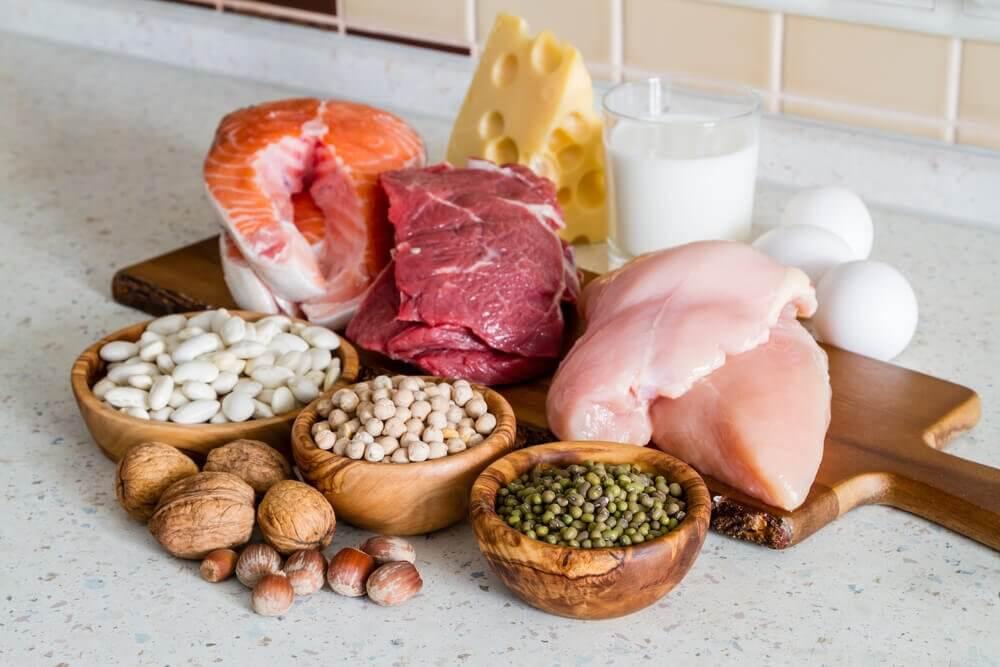 मेनोपाज के समय प्रोटीन समृद्ध आहार का सेवन