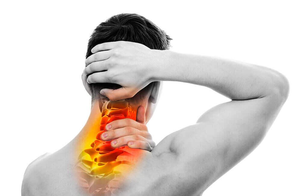 इस ज़बरदस्त एक्सरसाइज रूटीन से गर्दन की मांसपेशियों को मजबूत करें