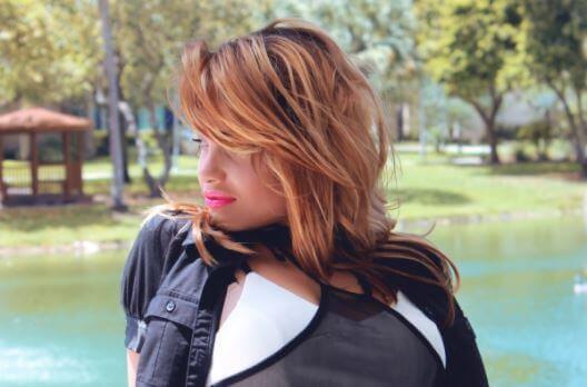 हल्के बालों वाली महिलाओं के लिए 7 आसान टिप्स