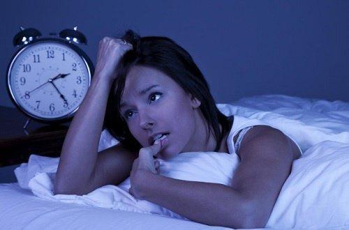 असर जो होते हैं एंग्जायटी से: सोने में परेशानी