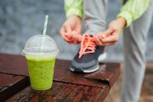 सूजन घटाने वाले जूस: अजवाइन, गाजर और लहसुन का जूस