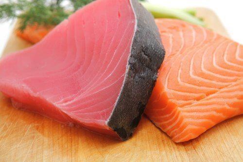 तेल वाली मछली से धीमे मेटाबोलिज्म को बूस्ट करें