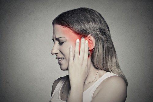 कान बजना: अपने डाइट से इसे कैसे कम करें