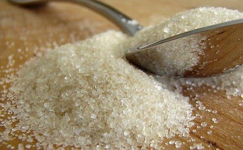 6 लक्षण जो बताते हैं, आप बहुत ज्यादा चीनी खा रहे हैं