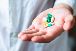 रात में पसीना: दवाओं का साइड इफ़ेक्ट
