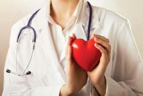 ग्रीन टी पीकर अपने कार्डियोवैस्कुलर स्वास्थ्य की रक्षा करें