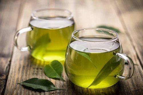 रोज़ाना ग्रीन टी पीने का हमारे शरीर पर क्या असर होता है?