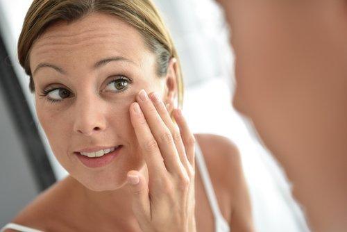8 चीज़ें जो आपकी त्वचा में दोबारा पर्याप्त कोलेजन की आपूर्ति करती हैं