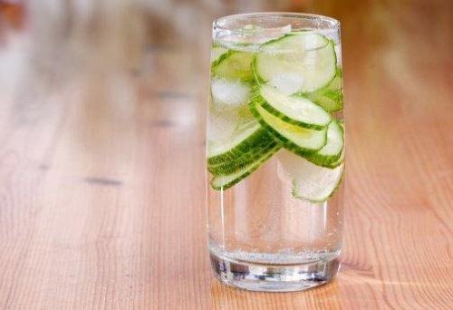 विटामिन का एक अच्छा स्रोत हैखीरे का पानी