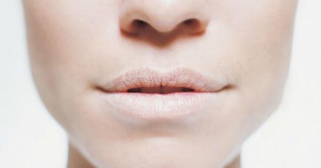पानी की कमी की वजह से मुंह का सूखापन