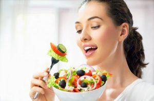 वर्कआउट का समय - हेल्दी भोजन कीजिए