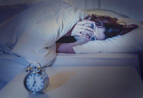 नींद की कमी से परेशान लोगों के लिए मददगार टिप्स