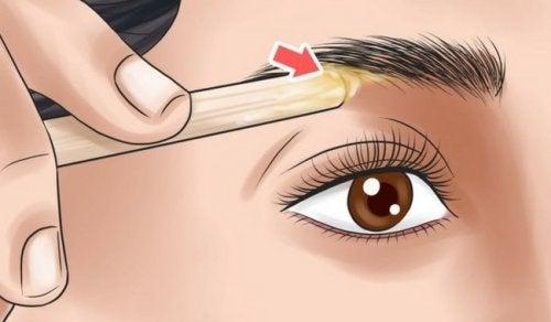 आईब्रोज़ : चेहरे की आकृति के मुताबिक इनको शेप देना सीखें