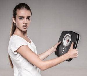 सर्वाइकल कैंसर सिम्पटम - अकारण वजन कम होना