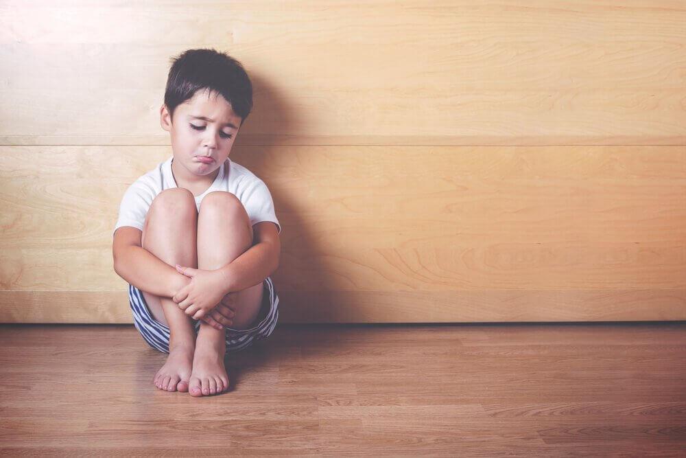 बच्चों में ऐफेक्टिव डिप्राइवेशन के 6 संकेत