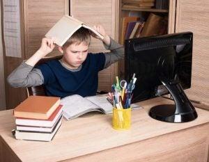 बच्चों में ऐफेक्टिव डिप्राइवेशन - आक्रामक व्यवहार