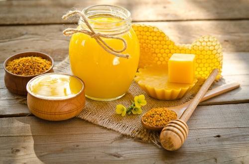 होममेड क्रीम : मधुमोम (beeswax)के फायदे