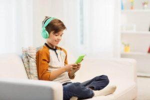 बच्चों में ऐफेक्टिव डिप्राइवेशन - टेकनॉलजी की लत