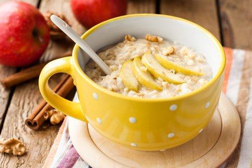 नाश्ते में ओट्स डायबिटीज कंट्रोल करते हैं