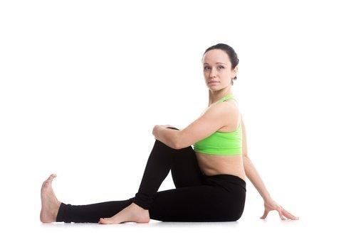रीढ़ की हड्डी वाली इस कसरत से अपने हाज़मे में सुधार लाएं