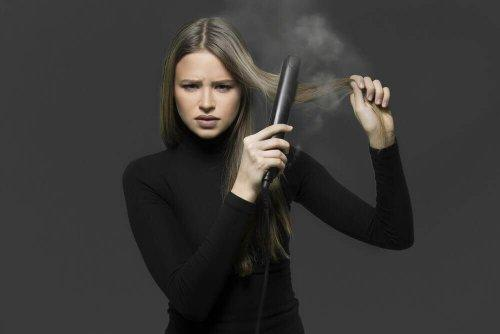 4 तरीके : आयरन के बिना बालों को प्राकृतिक रूप से सीधा करें