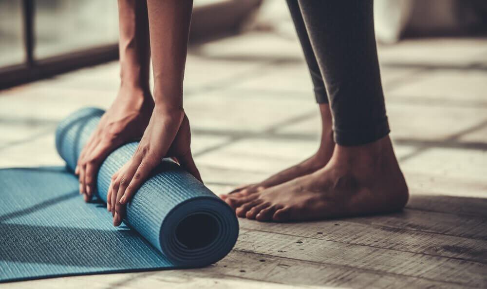 5 योगासन अभ्यास करें, यदि आप ज्यादा फ्लेक्सिबल नहीं हैं