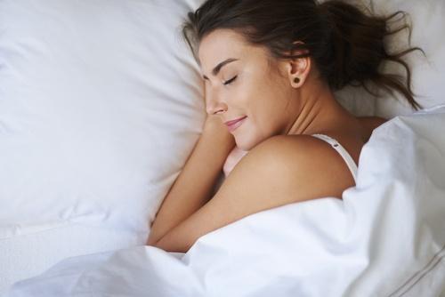 अच्छी नींद पाने के लिए इस्तेमाल करें नींबू के रस का
