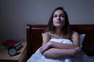 महिलाओं में हार्ट अटैक के संकेत - अनिद्रा