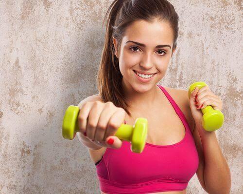 मेटाबोलिज्म बढ़ाने के लिये वजन उठाना