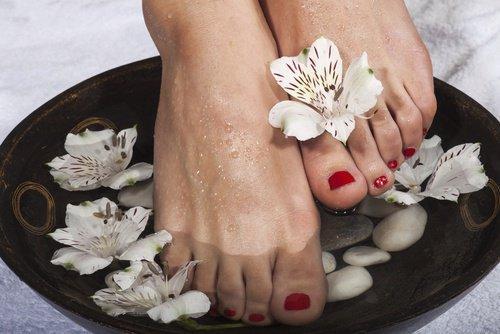 पैरों की फंगस से छुटकारा दिलाने वाला इलाज
